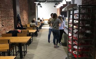 Кафе-столовая на территории крупного завода