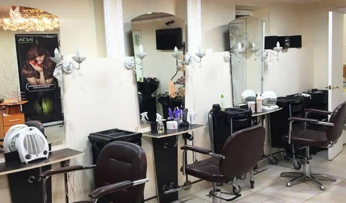 Популярный салон красоты в пешей доступности от метро