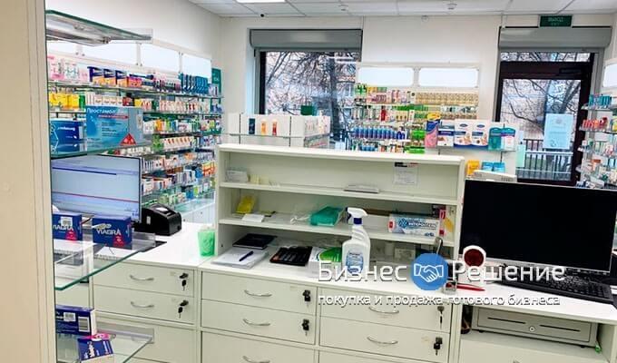 Аптека у метро Университет