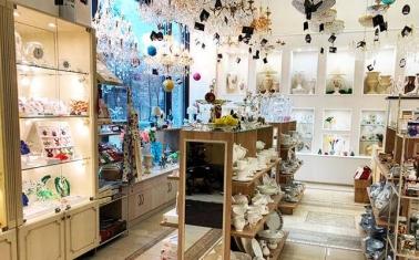 Магазин посуды и подарков с выгодным расположением