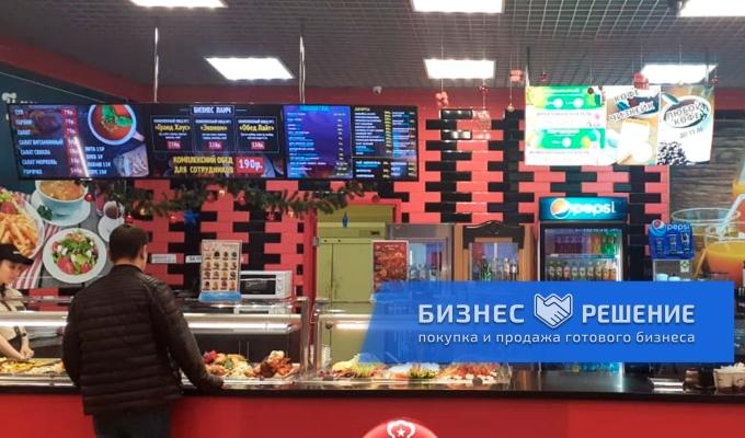 Ресторан и шаурмичная на фуд-корте в СПб