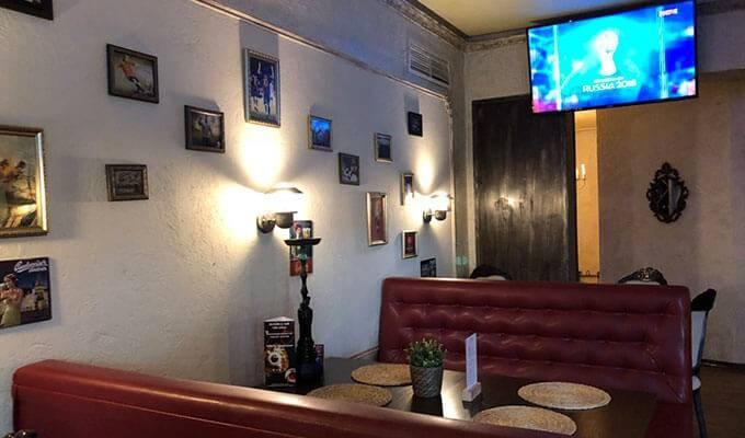 Популярный кафе-бар с большой базой клиентов