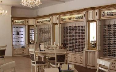 Высокорентабельный салон оптики при крупной аптеке