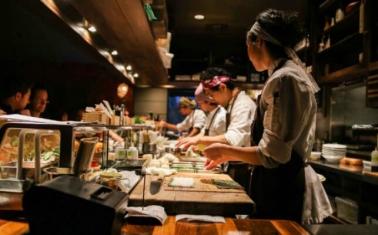 Известный суши-бар с высоким уровнем дохода